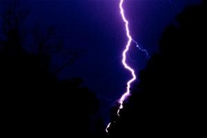 Lightning_Bolt_by_UndeadSamurai01